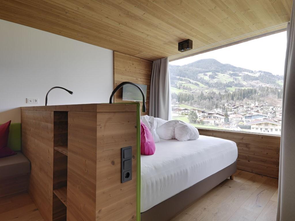 lifestyle und kinderhotel in einem golfhome ch. Black Bedroom Furniture Sets. Home Design Ideas