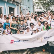 delweiss-Gruppenbild Homes-of-Hope Credit-Christoph-Köstlin