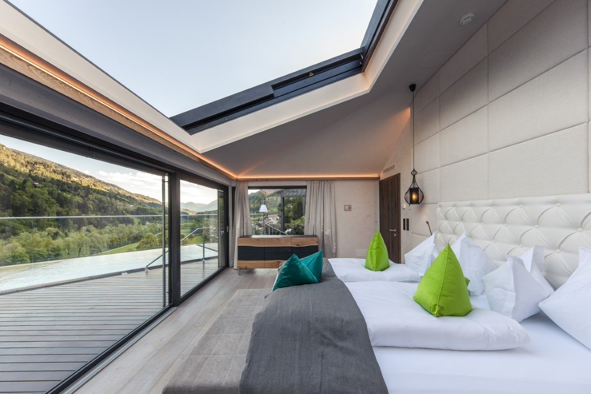 high end chalets in s dtirols gr sstem wellnessresort golfhome ch. Black Bedroom Furniture Sets. Home Design Ideas