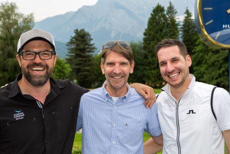 Grand-Resort-Connection-Mathias-Rohner-Geschäftsführer-der-Tamina-Therme-Perfect-Smile-Inhaber-und-Gastgeber-Michael-Meier-und-Daniel-Grünenfelder-Room-Division-Manager-im-Grand-Resort-Bad-Ragaz-genossen-den-entspannten-Golftag-in-Bad-Ragaz