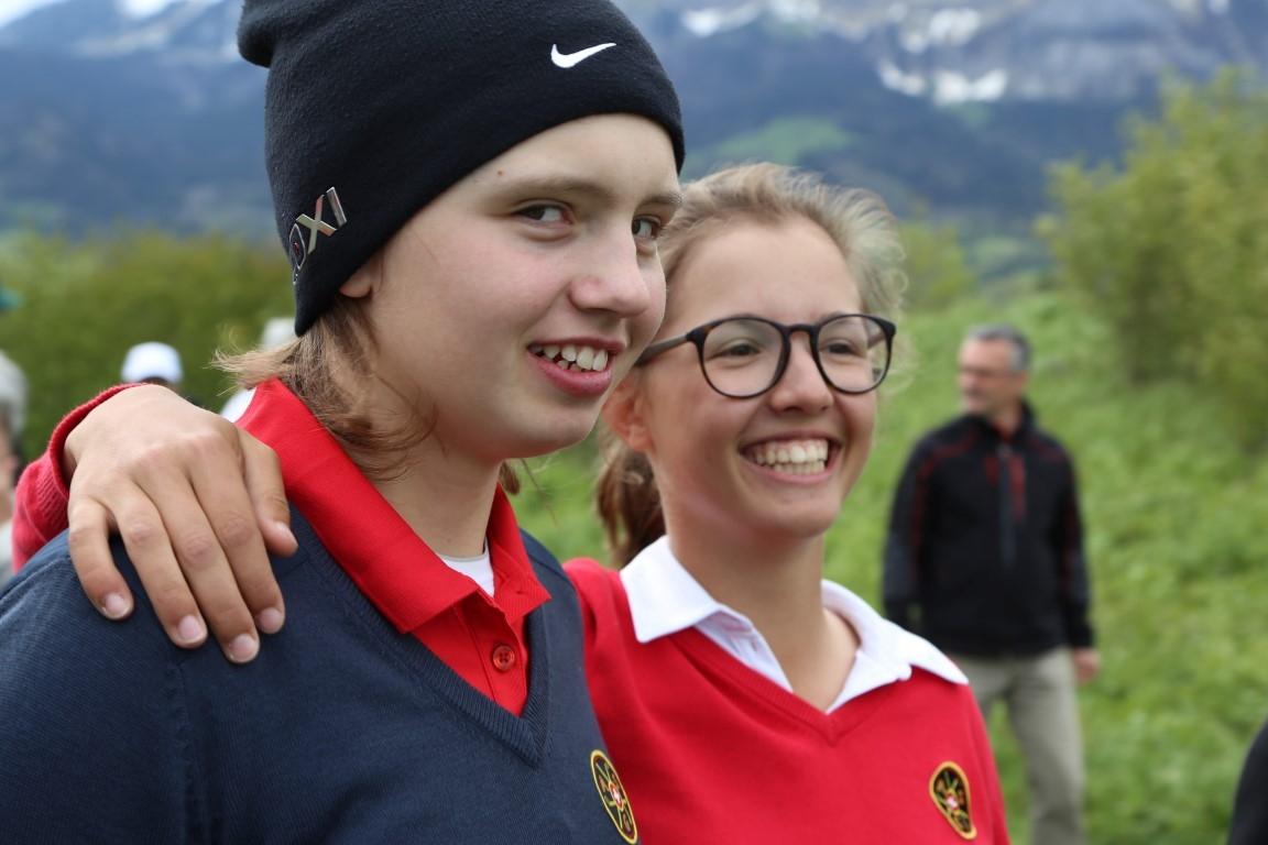 Schweizer Amateurinnen Elena Moosmann und Lily Hürlimann